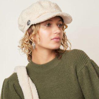 Hut flauschig im Matrosenstyle
